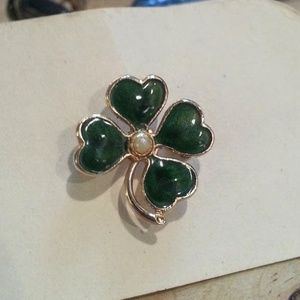 "Green enameled 4leaf clover pin 1"" tiny pearl EVC"